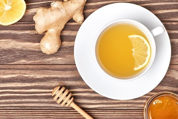 Infusión con limón y miel