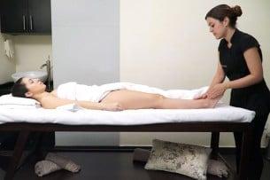 ¿En qué consiste un masaje jet lag?