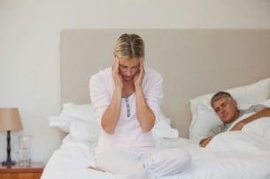 5 remedios para dormir a pierna suelta