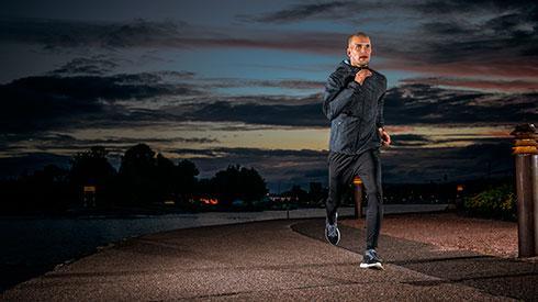 ¿Por qué es bueno correr por la noche?