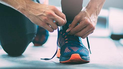 Cómo atar correctamente los cordones para evitar lesiones