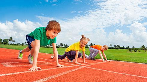 ¿Cuál es la mejor edad para que tus hijos se inicien en el running?