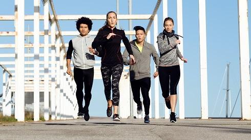 ¿Es mejor correr solo o acompañado?