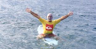 El surfista ciego que aprendió a vivir contracorriente