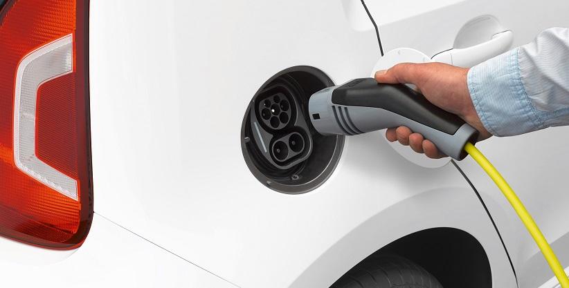 Cómo cargar un coche eléctrico en casa