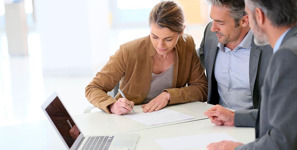 ¿Sabes qué contrato firmar en la compra de un piso?