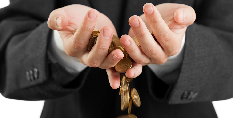 Ocho hábitos que te están haciendo perder dinero