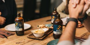 Dos opciones cerveceras ideales para los aperitivos entre amigos