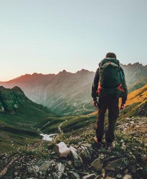 5 apps imprescindibles para hacer senderismo