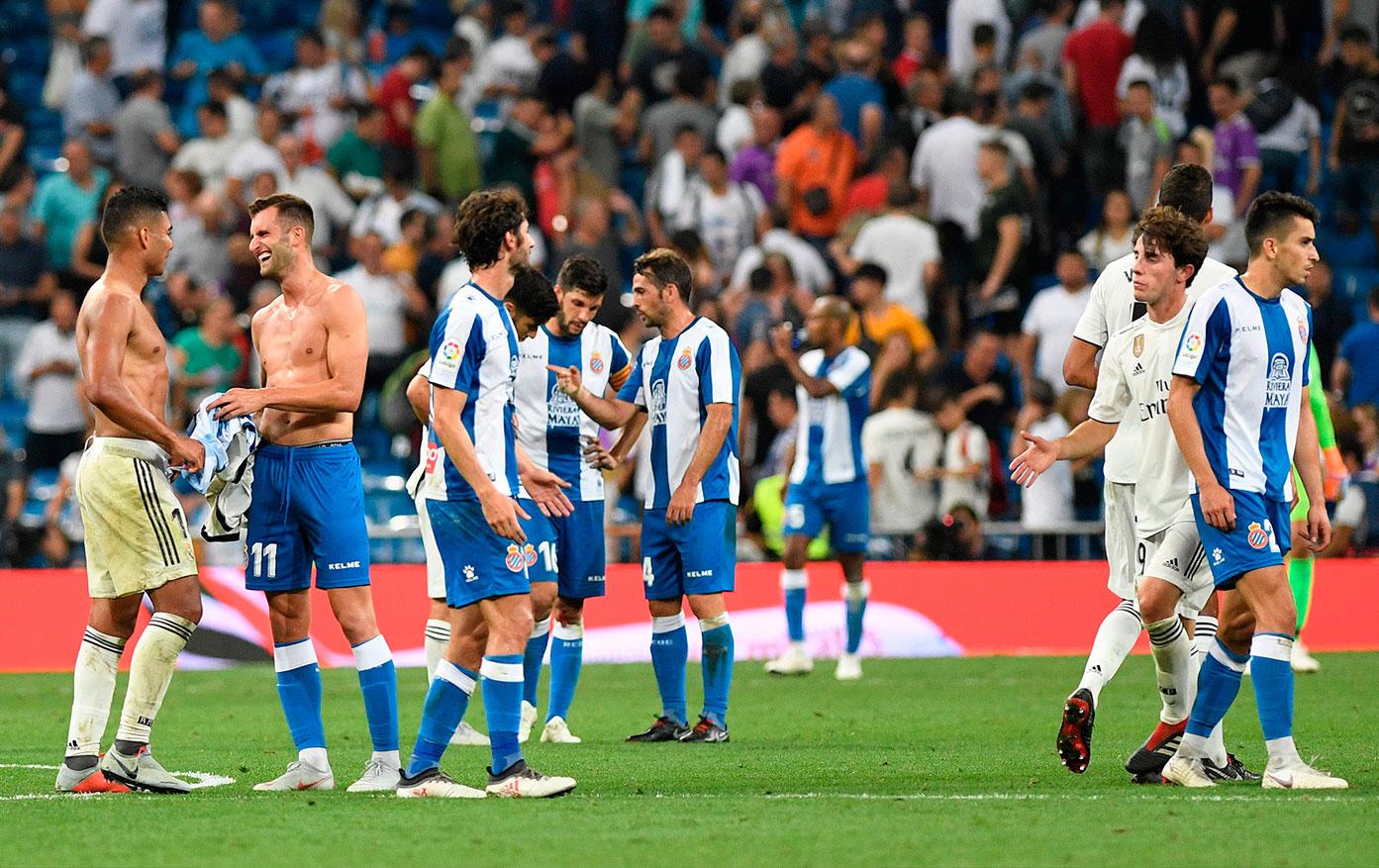 Hermandad O Rivalidad Cómo Crees Que Es La Relación Entre Las Aficiones De Estos Equipos No Es Fútbol Es La Liga El Mundo Marca