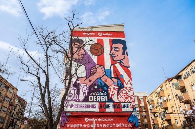Un mural para unir a dos aficiones históricamente rivales: Atlético de Madrid y Real Madrid