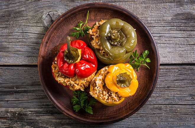 Pimientos rellenos de quinoa y pollo