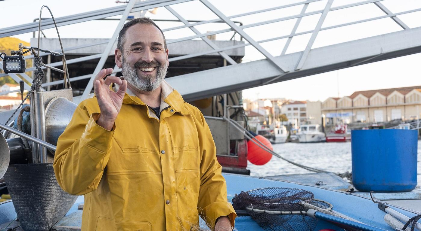El pescador activista que devuelve peces al mar
