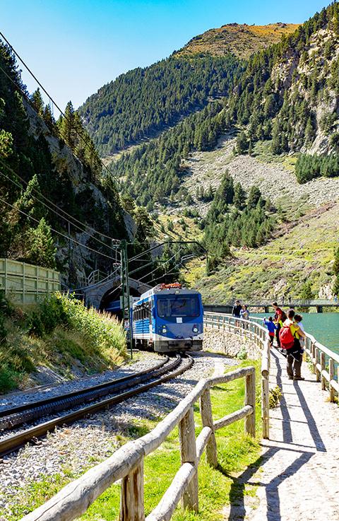 Cinco rutas en tren para descubrir España