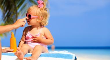 Crema solar, buena para nuestra piel, veneno para los peces