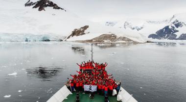Un centenar de científicas parte rumbo a la Antártida
