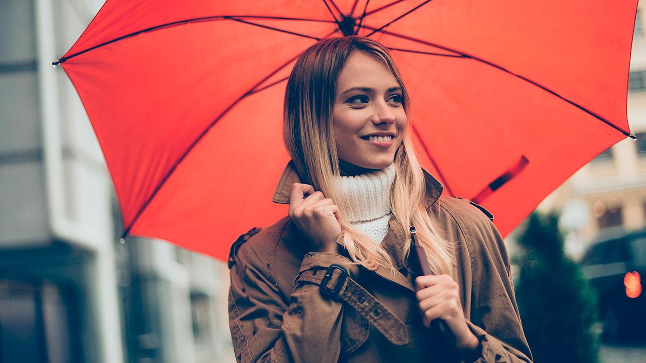 7 formas de que la lluvia no estropee tu peinado