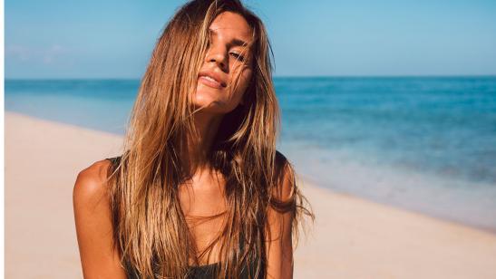 Prepara tu cabello para el verano: adiós a los daños del agua de mar y de la piscina