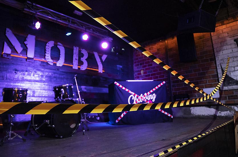 La Sala Moby Dick precintada tras la actuación de las fuerzas de seguridad