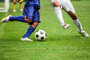 Por qué los futbolistas tienen más problemas bucales que tú