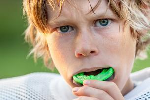 Deportes con los que sí deberías usar protector bucal