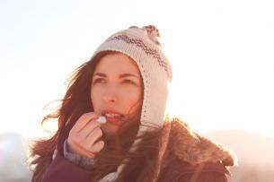 3 desencadenantes estacionales del herpes labial